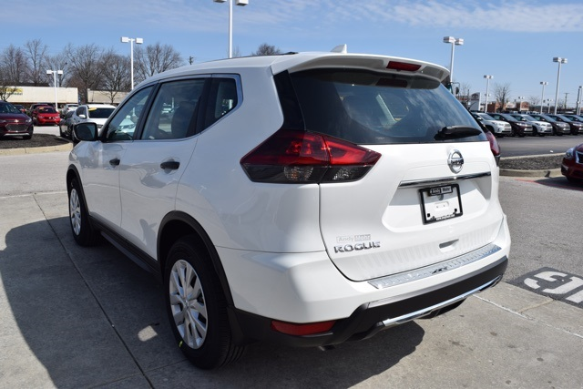 New 2018 nissan rogue s 4d sport utility near indianapolis t18282 new 2018 nissan rogue s fandeluxe Gallery
